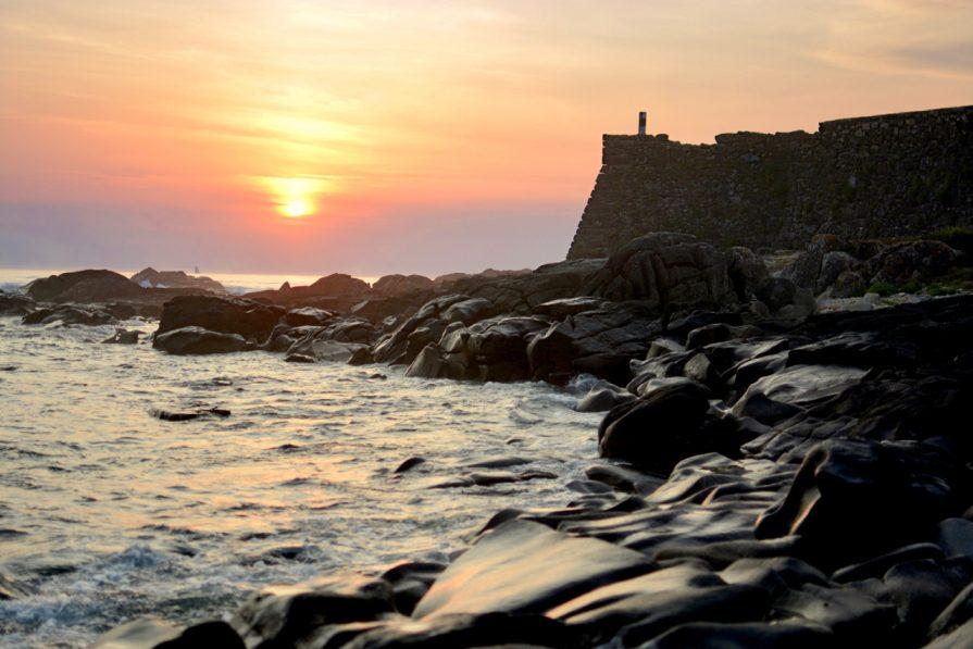 Das Fort vor dem Surfcamp