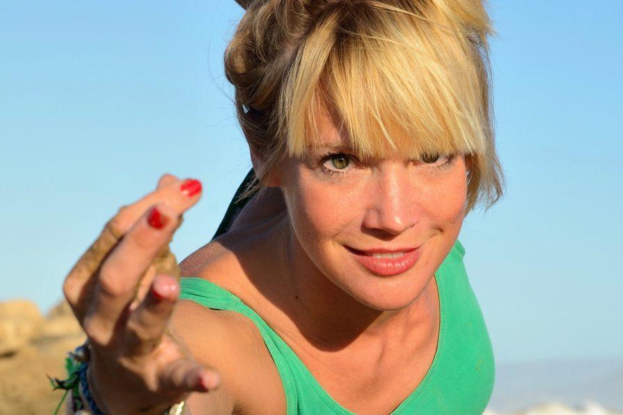 Yoga mit Jule Nusskern im Goodtimes Surfcamp