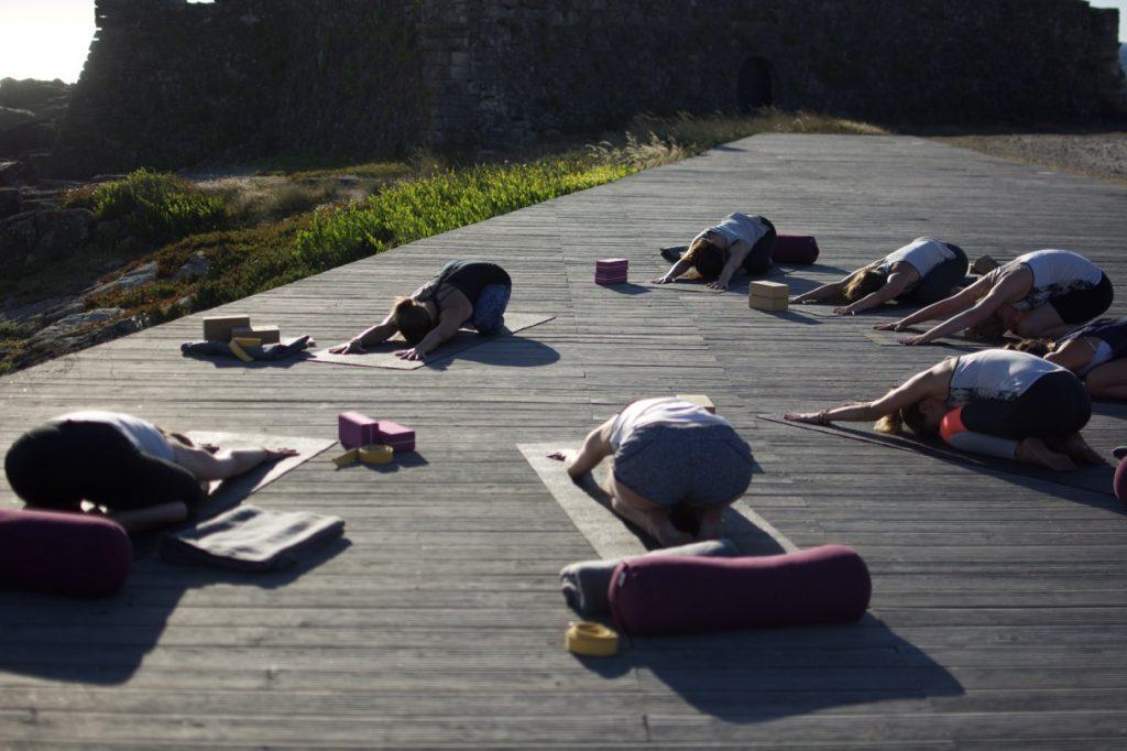 Yoga und Surfen in Nordportugal im goodtimes Surfcamp